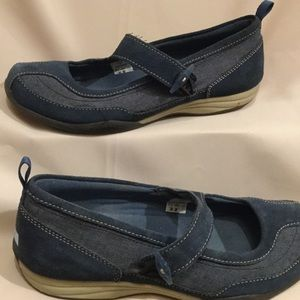 Mary Janes w/ Elastic&Button Closure. Rubber Soles